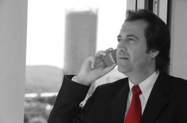 The Differences Between A Business Consultant & A Business Coach